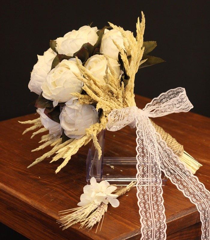Beyaz Şakayık Gelin Çiçeği