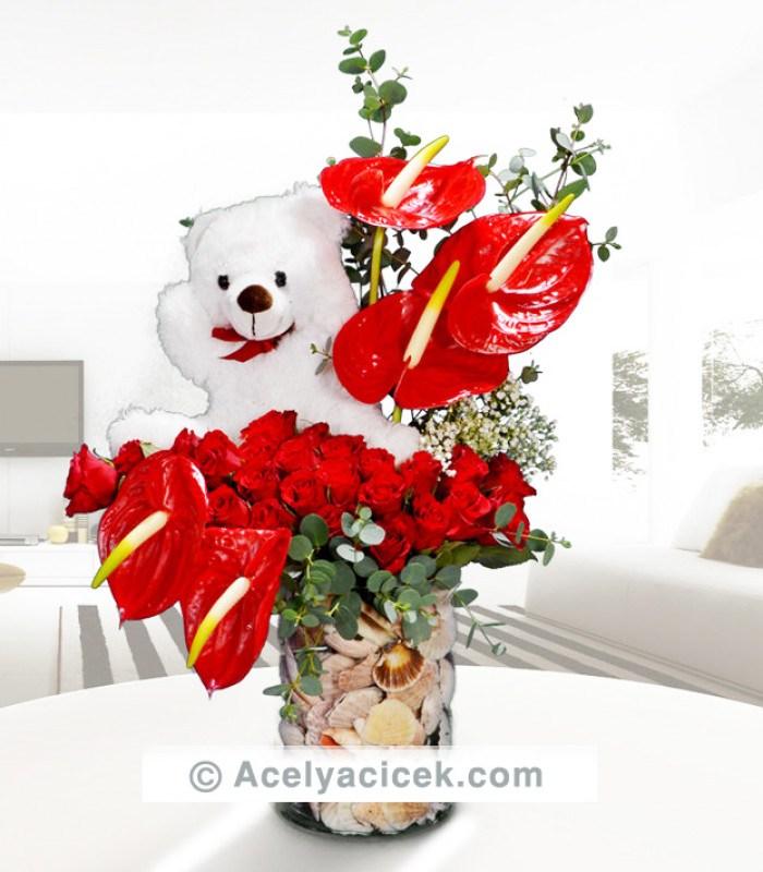 Antoryum Çiçeği ve Gül Aranjmanı