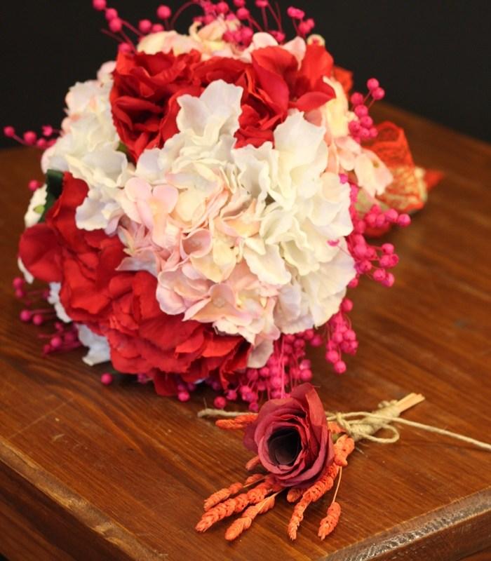 Renkli Ortanca Gelin Çiçeği