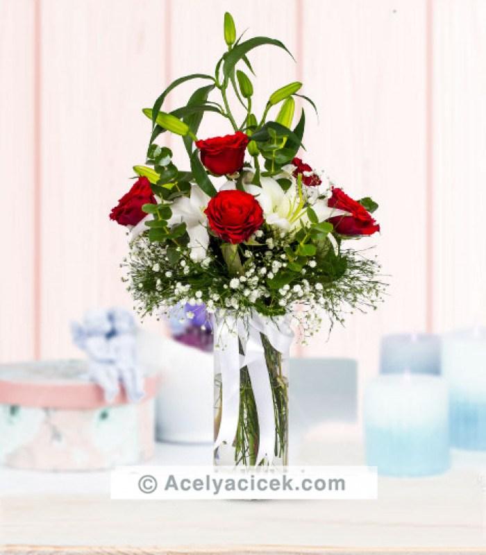 Kırmızı Gül & Beyaz Lilyum Aranjmanı